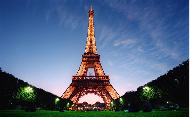 Booking Eiffel Tower tickets in advance following some best ways can save hours of long queuing while in Paris and maximize your time sightseeing. The Eiffel Tower is the most visited paid-monument in the world. Its popularity makes the Eiffel Tower advanced tickets essential to avoid the long queues.Eiffel Tower Tickets, Eiffel Tower cost, buying guide