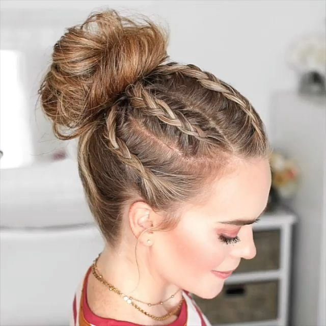 coque com tranças - vídeo no link  :) in 2020 | Braided bun hairstyles, Braids for long hair, Long hair styles