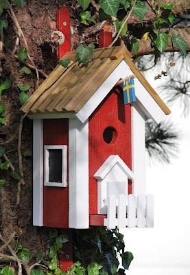 sweet bird-house from Doris @ mamaskram.blogspot.com