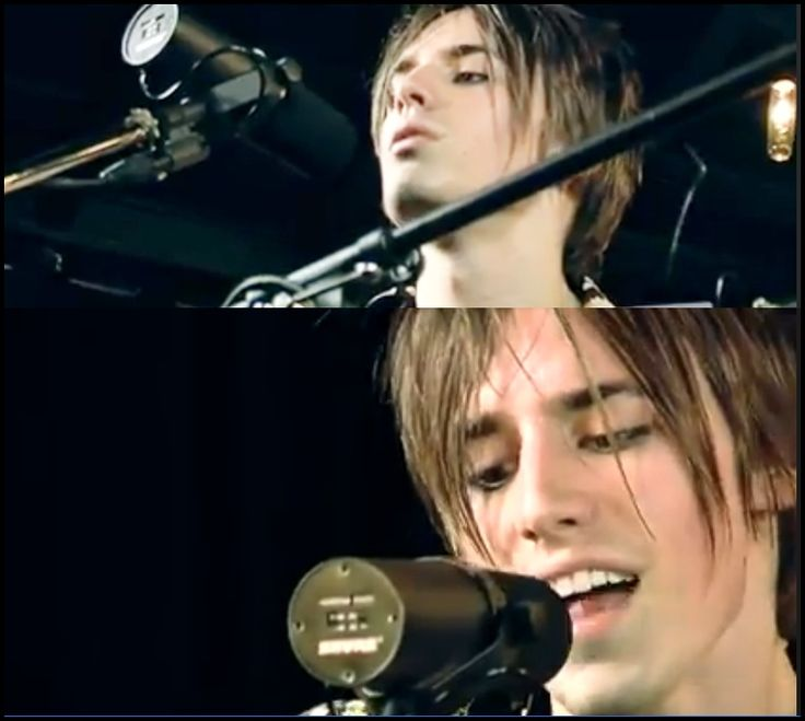 Reeve Carney Hansdome!