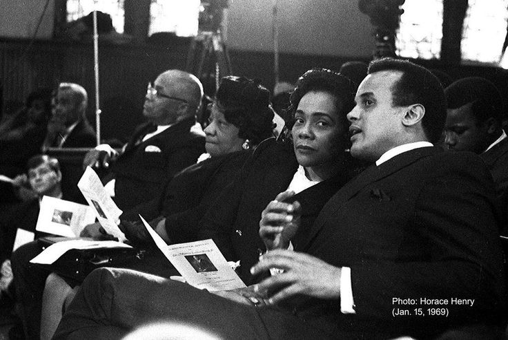 L-R Rev. Martin Luther King Sr., Alberta Williams King, Coretta Scott King, Harry Belafonte at Ebenezer Baptist Church Jan. 15, 1969. (Horace Henry)