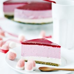 Petit Suisse Cheese Cake - A new strawberry flavored cheesecake #foodgawker