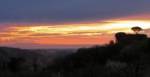 Tuscan sunset (from Montescudaio) by kontakiu, via Flickr