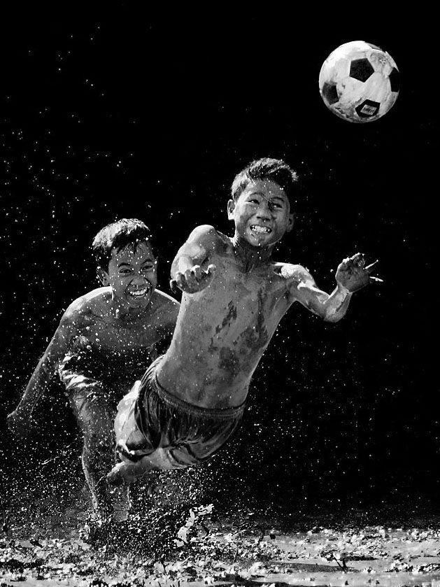 Mud Soccer, por JD Ardiansyah