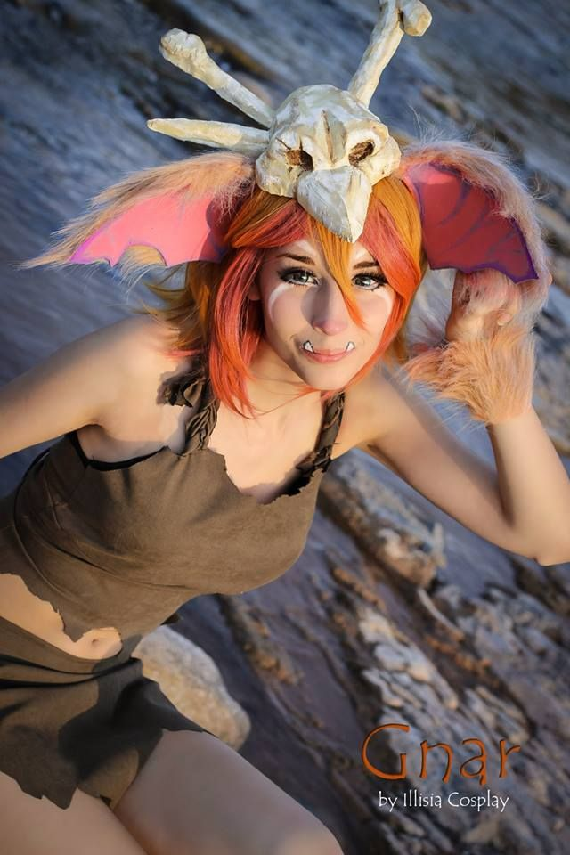 Gnar's cosplay from League of Legends (Gijinka version) by Illisia cosplay. Photo by Vrael Cosplay
