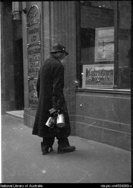 Chinnery, Sarah Johnston, 1887-1970. Swagman looking in the window of P & O, Collins Street, Melbourne, ca. 1955, 2 [picture]