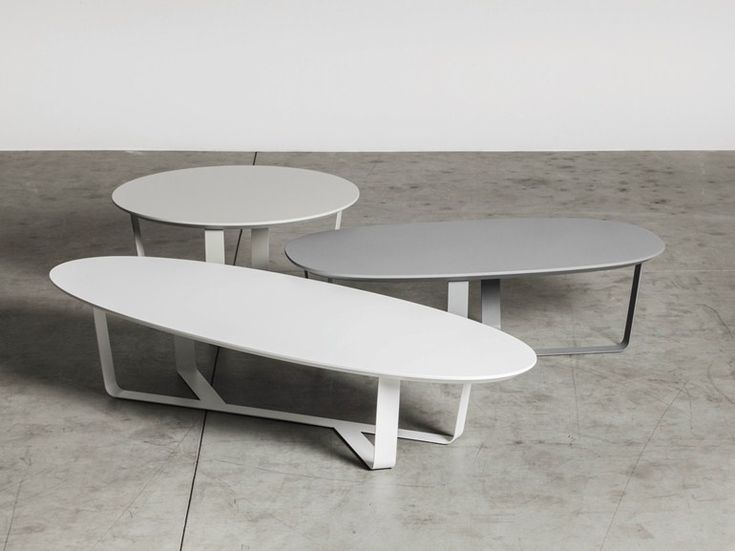 Low powder coated steel coffee table BINO | Oval coffee table - Miniforms