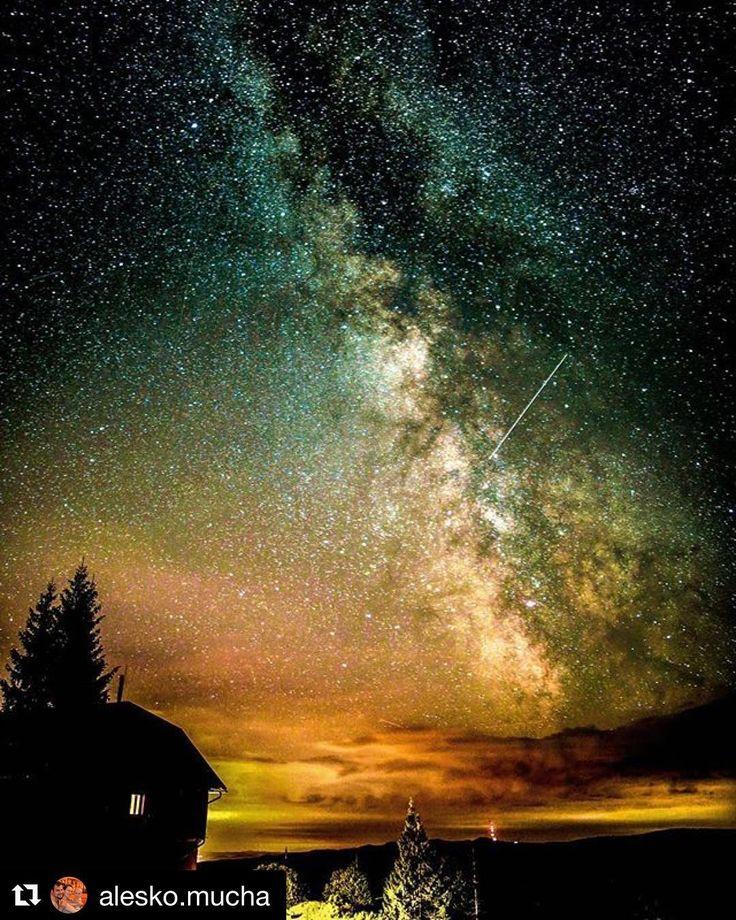 Hviezdy sa usmievajú na Slovensko  krásny záber od @alesko.mucha  #praveslovenske  #slovensko #slovakia #stars #night #nightsky #nighttime #sunset #nature #sky #landscape #galaxy #adventure #space