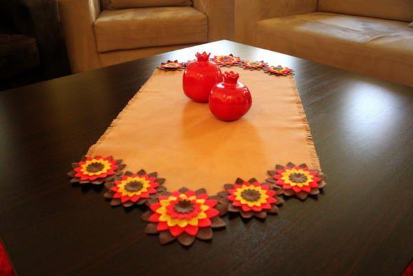 Retro Katlı Keçe Çiçek Süslemeli,Sütlü Kahverengi Kanvas Runner (Sehpa)
