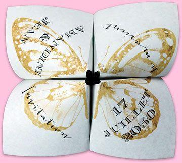 Faire-part mariage origami cocotte avec un papillon dorée qui déploiera ses ailes pour dévoiler votre plus belle photo de couple, réf.N33011