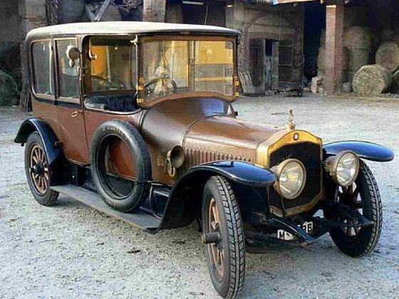 Une De Dion Bouton EA physique ancienne de 1913, carrosserie de Driguet à Paris, co…
