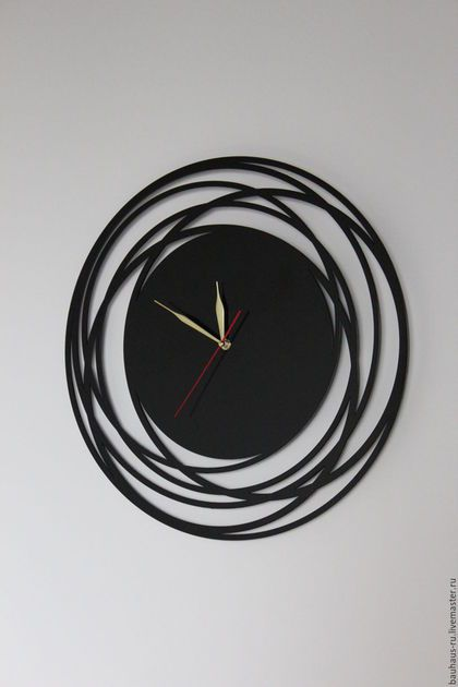 Большие настенные часы из виниловой пластинки