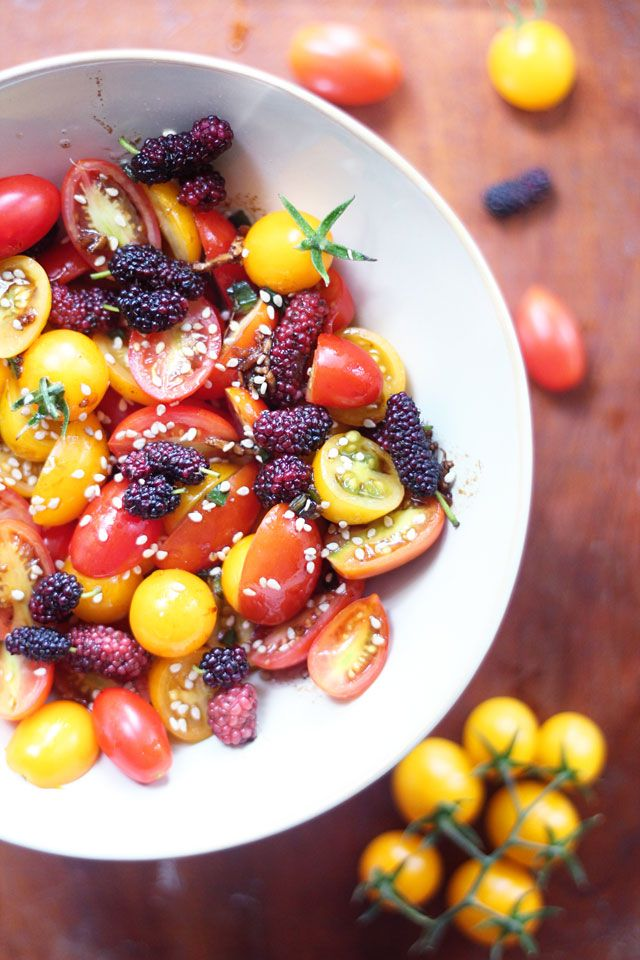tomato  and mulberry salad