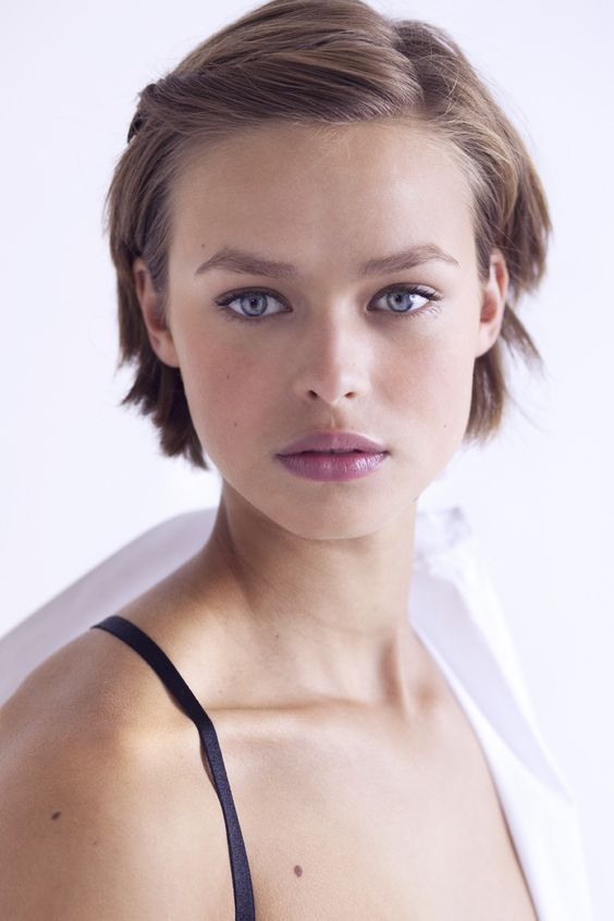 Wählen Sie Frisuren nach Ihrer Gesichtsform und Persönlichkeit  #frisuren #gesichtsform #ihrer #personlichkeit #wahlen