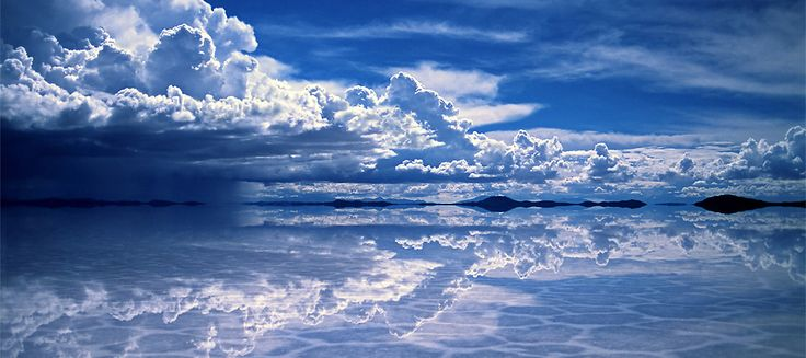 The world's largest salt flat, Salar de Uyuni, is located in Southwest Bolivia. When it rains, it turns into the world's largest natural mirror... so pretty!