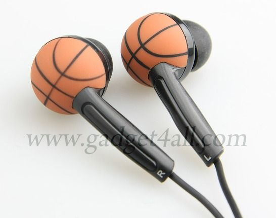Gadget loving sports fans in general and basketball fans in particular can now match their Wireless Basketball Mouse and Basketball Webcam with a pair of earphones.     Product Specifications  Basketball design 3.5mm stereo earphone Great gift to basketball lovers Lenght: 110cm (approx