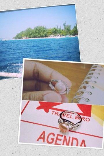 Mutiara Lombok sudah sngat di kenal bahkan dijadikan ikon Nasional Pulau Komodo sehingga jangan sampai anda ketinggalan mengoleksi souvenir dari mutiara ini. Yuk berwisata ke Pulau Lombok bersama Mas Travel Biro. Kunjungi Website kami: www.mastravelbiro.com dan liat harga terbaik dari kami. Selamat berwisata :)