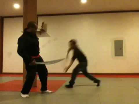 Sword Play: Visayan Style Corto Kadena Larga Mano Eskrima