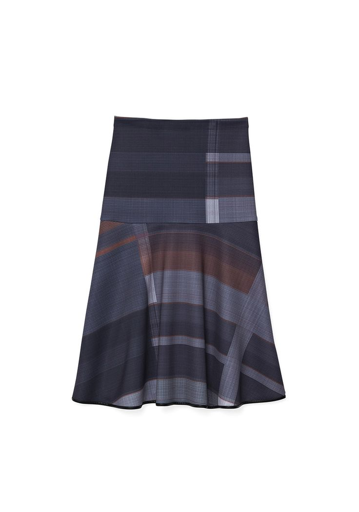 The color blocking on this skirt adds a nice contrast when paired with a solid turtleneck or a simple tee.