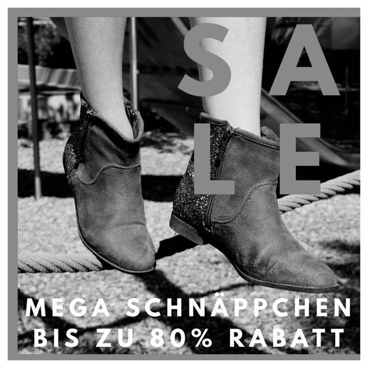 und los gehts: ab Donnerstag 07.12 heißt es SALE SALE SALE  alle Schuhe müssen gehen  Preise ab 3! Weitersagen kommen kaufen. Alles dabei: Stiefel Stiefeletten Ballerinas Peeptoes Wedges Flats High-Heels... #nürnberg #nrnbrg #0911liebe #gostenhof #gstnhf #gohoshopping #sale #schuhe #shoes #nuremberg #boots #booties #grlpwr #girlboss #buylocal #pussinboot #schnäppchen #rabatt #heels #highheels #peeptoes #wedges #supportlocal #sharingiscaring #love #bw