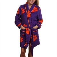 Ladies, indulge yourself in team-spirited luxury when you slip into this ultra-soft Cozy plush robe! Find one for your favorite team here: http://pin.fanatics.com/search/cozy%20robe/source/pin-allteams-ladies-cozyrobe-sclmp