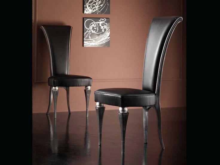 Un tavolo di classe richiede una sedia di classe!  #interiordesign #sedieclassiche #arredamentoclassico #homedesign #arredamentointerni #homedecore #lifestyle #sedieetavoli  Sedia In faggio Art.SA 1006   Sedie e Tavoli