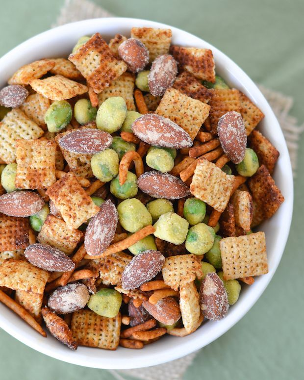 This addictive Asian snack mix is crunchy, spicy and packed with Wasabi & Soy Sauce almonds, chow mein noodles and wasabi peas! A perfect football game day snack! #GameChangingFlavors [ad]
