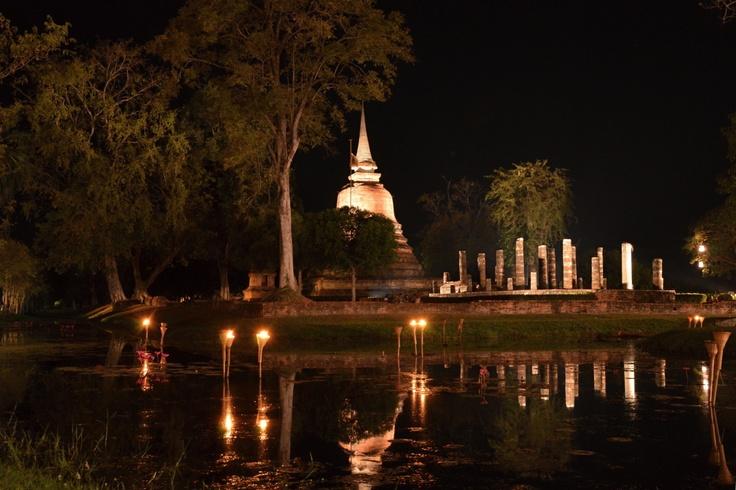 Chrámový komplex v noci