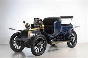 Lot. nr. 215 – La prima automobile prodotta, auto da collezione a ...