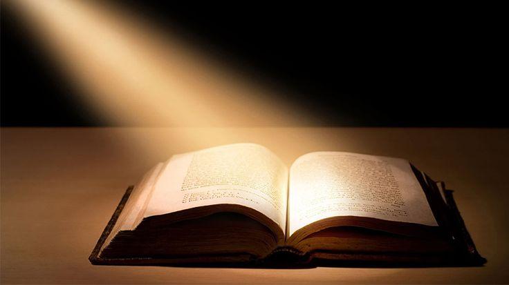 Biblia, adevăr sau ficţiune? Clipul care face furori pe Internet.