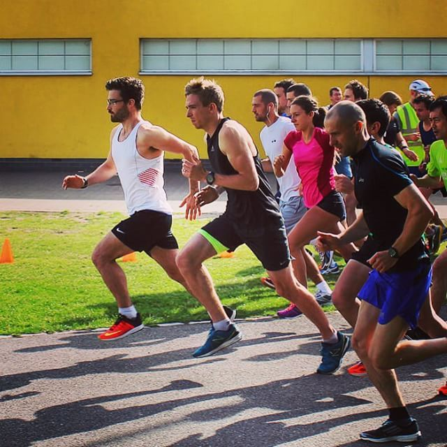Leading the ParkRun pack out of the gates for the first 100m. Should have been a sprinter  Photo: Axel Manzano. #Parkrun #run #runner #running #ukrunchat #nikeplus #london #garmin #strava #trailrunning #ultrarunning #5k #10k #semimarathon #citytrailrunning #fitness #instagood #training #fitness #fitspo #workout #race #instacool by racing.jamie #running #ownyourmarks #run