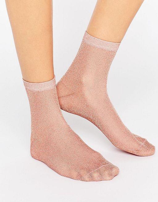 http://www.asos.com/asos/asos-rose-gold-glitter-socks/prd/7258666?CTARef=Saved Items Image