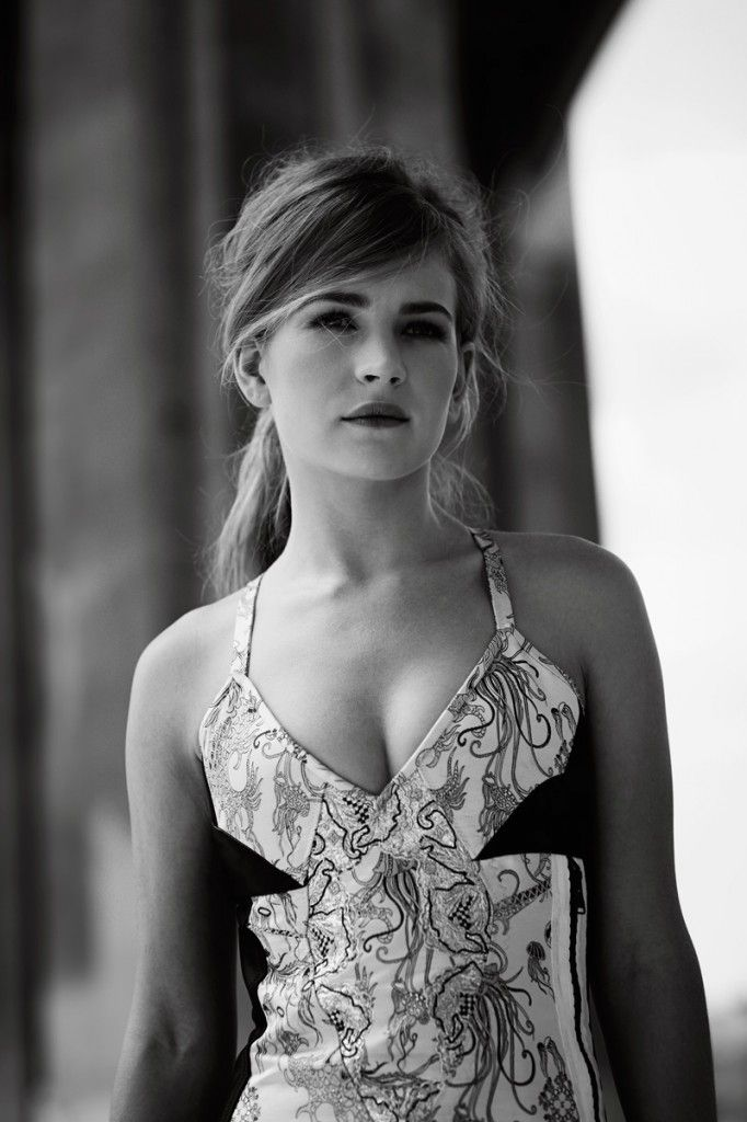 Britt Robertson by Guy Lowndes for Flaunt Magazine 2015