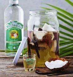 Rhum arrangé coco vanille, la recette d'Ôdélices : retrouvez les ingrédients, la préparation, des recettes similaires et des photos qui donnent envie !