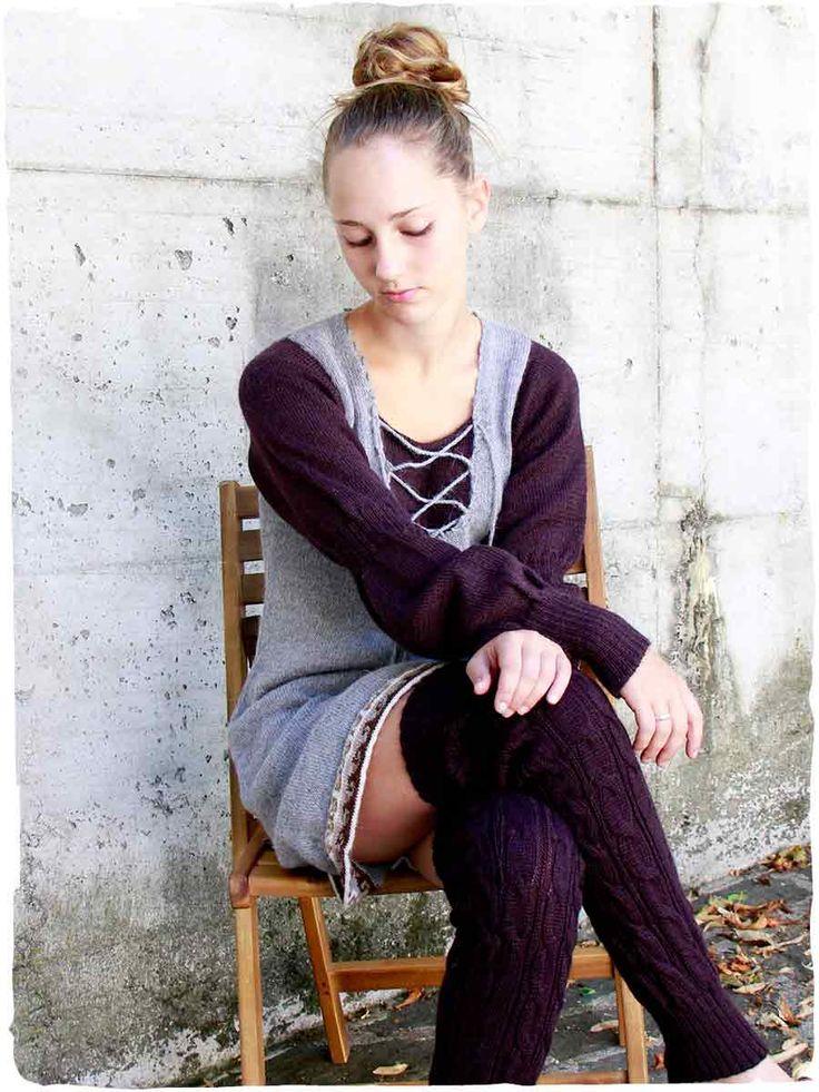 Vestito manica lunga Cecilia simple #Vestito #corto a maniche lunghe lavorato a mano con #lana d' #alpaca - disegno #etnico - due #colori combinati a contrasto - rifinito all' #uncinetto www.lamamita.it/store/abbigliamento-invernale/1/abiti-in-maglia/vestito-manica-lunga-cecilia-simple#sthash.YrLVjqsl.dpuf