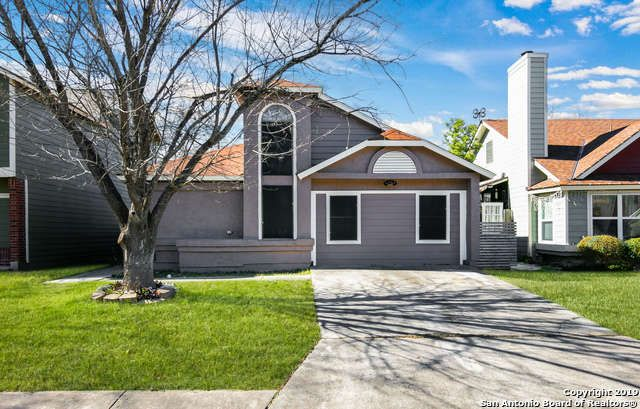 Single Family Detached San Antonio Tx Plenty Of Space In The 4 Bedroom 2 Bath Home Open Floor Plan Fir Sale House Fireplace Garden Land For Sale