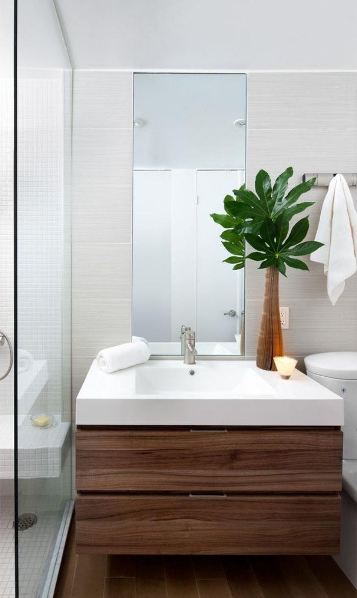 salle de bain scandinave, décoplante verte, meuble sous vasque en bois