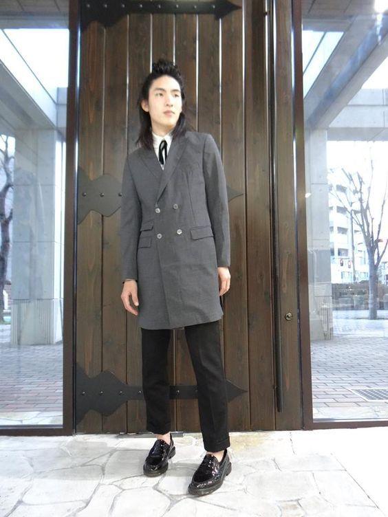 KQ KING AND QUEEN for Men's Style キングアンドクイーン メンズファッションコーディネート http://www.worldpeace.jp #mens #fashion #style #navy #jacket #pant #polkadot #vest #whiteshirt #メンズ #ファッション #コーディネート #水玉 #ベスト #パンツ #ジャケット #メンズコーディネート #メンズファッション #シンプルコーディネート #大人コーディネート #大人カジュアル #黒 #グレー #gray #longjacket