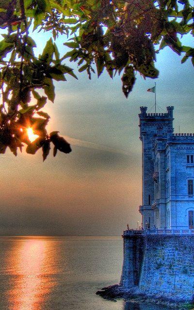 Castello di Miramare ♦ Trieste, Friuli-Venezia Giulia, Italia