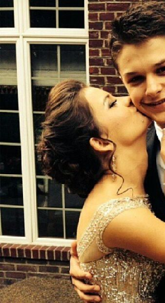 Brooke Hyland's homecoming hair and DATE!