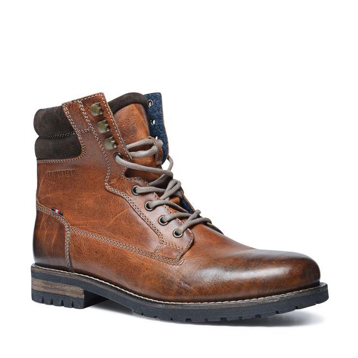 Cognac leren veterboots  Description: Stoere bruine veterboots van het merk Manfield. De schoenen zijn geheel van leer en erg comfortabel. De boots hebben een donkerbruin detail aan de bovenkant van de schoen dit staat erg mooi met de donkerbruine zool. De veters zijn lichtbruin van kleur. Combineer de schoenen met een jeans en geruite blouse voor een stoere look.  Price: 119.99  Meer informatie  #manfield