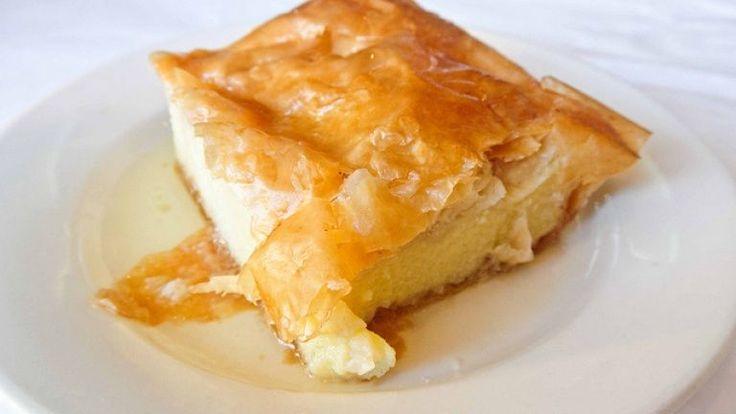 Galaktoboureko: la ricetta originale greca del dolce di pasta fillo e crema.