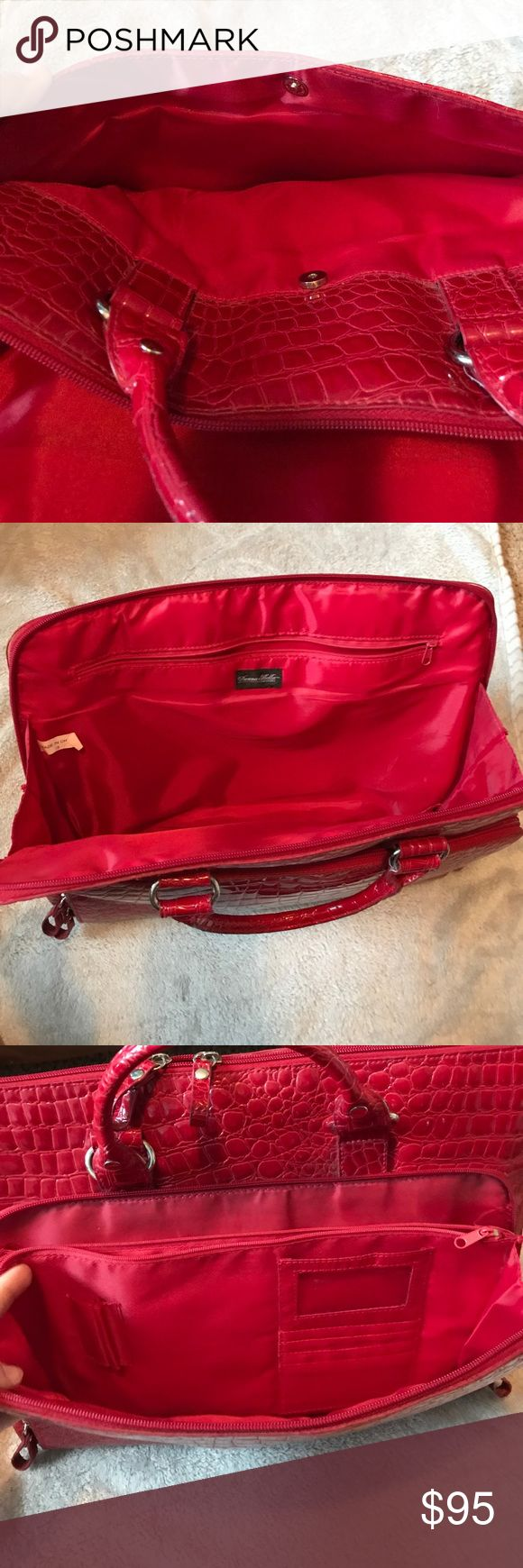 Red Donna Bella Laptop Tote A EUC Donna Bella Laptop Tote in red! In very good condition besides the slight tear in the handle (picture #8). Very spacious & has the front pocket for all purse essentials! (Cards, phone, make up, etc). Donna Bella Designs Bags Totes