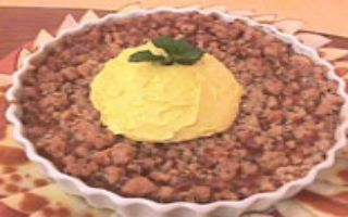 Torta de Maçã Crocante Com Calda de Caramelo   Tortas e bolos > Receitas de Torta de Maçã   Mais Você - Receitas Gshow