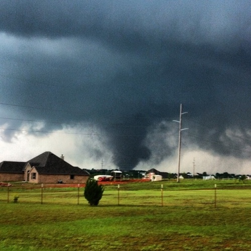 Cel putin 51 de morti in sudul Statelor Unite din cauza unei furtuni violente