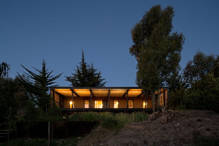 Image 2 of 13 from gallery of Casa Tumán / Studio Selva. Photograph by Nico Saieh