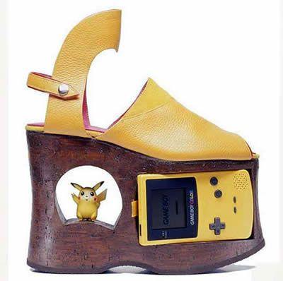 Pikachu Shoes, aaiieeeee!