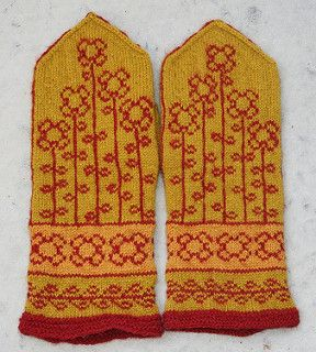 Vinterblomster mittens by Heidi Mork - free - The English version of the pattern is in the same PDF-file as the Norwegian, in the second half.