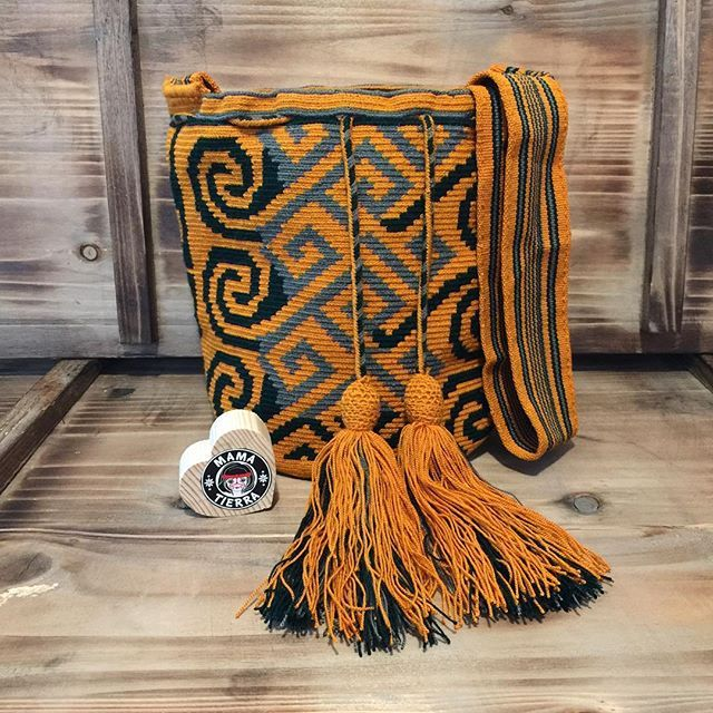 Unusual design  #ngo #❤️ #wayuu #style #ethicalfashion #indigenousrights #ootd #love #mochila #fblogger #fashion #fashionblogger #칠라백 #와유백 #독특한 #排他的 #獨家 #퓨전 #融合 #聚變 #애정 #愛 #愛 #귀엽다 #可愛い #taiwan #china #wayuulovers #zürich