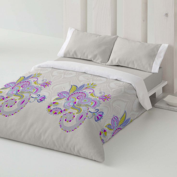 Duvet cover. Flowers. Bedroom. Bed. Decor. Purple. Style.